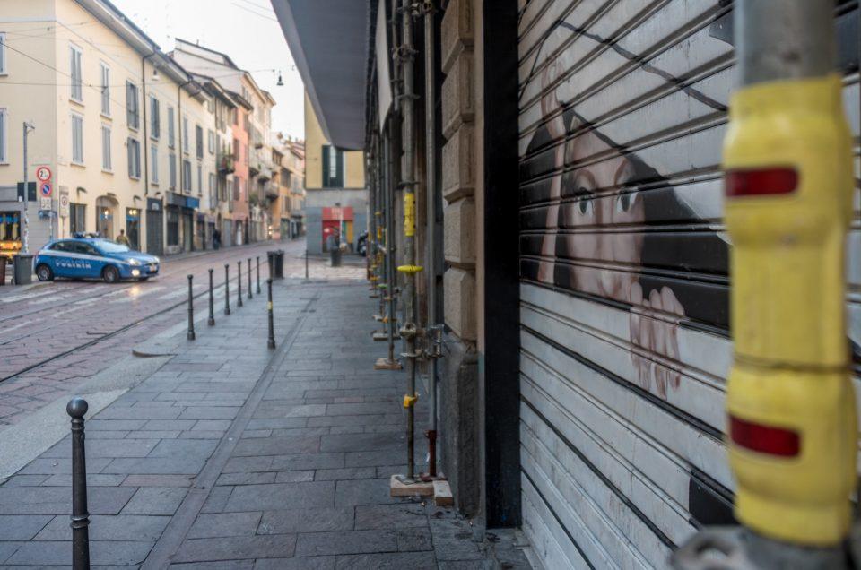 Via dell'ironia: Le saracinesche di Porta Ticinese!