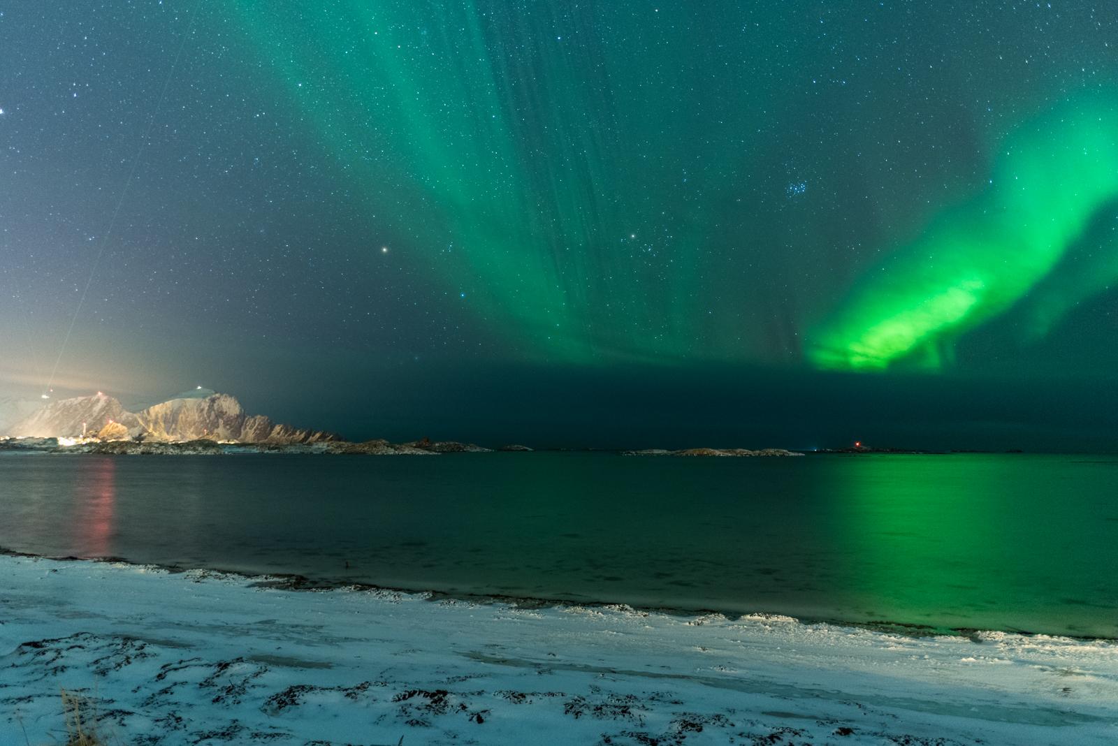 Spiaggia di Andenes con aurora boreale