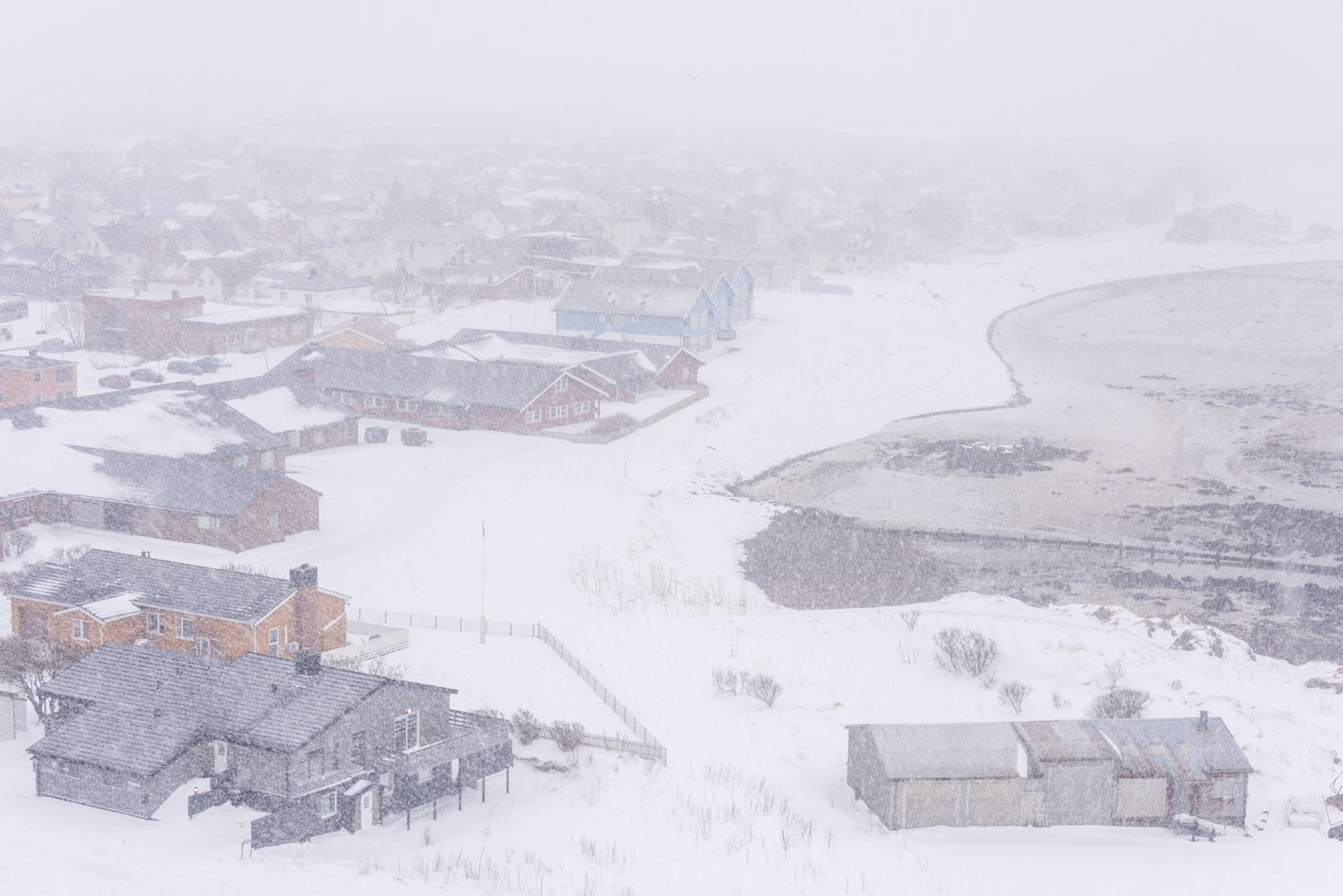 Spiaggia di Andenes da faro con tempesta