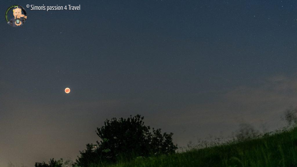 luna rossa con marte
